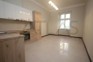 Pronájem nezařízeného bytu 3+kk, 88 m2, Praha 3 - Vinohrady, Slezská ulice, u metra linka A Flora